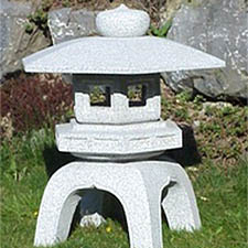 Square Yukimi <br>d30cm $550<br>d45cm $740<br> d60cm $965<br> d75cm $1,390<br> d90cm $2,055
